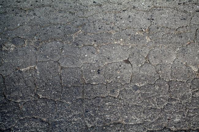 When Should You Replace Your Asphalt Driveway?