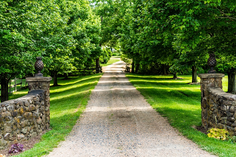 3 Excellent Reasons To Go With A Gravel Driveway